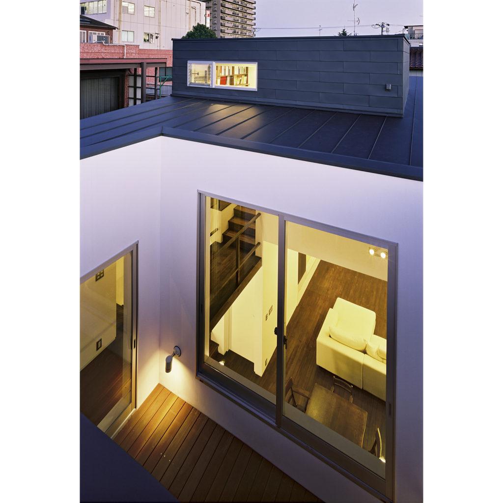 高天井の窓からの採光