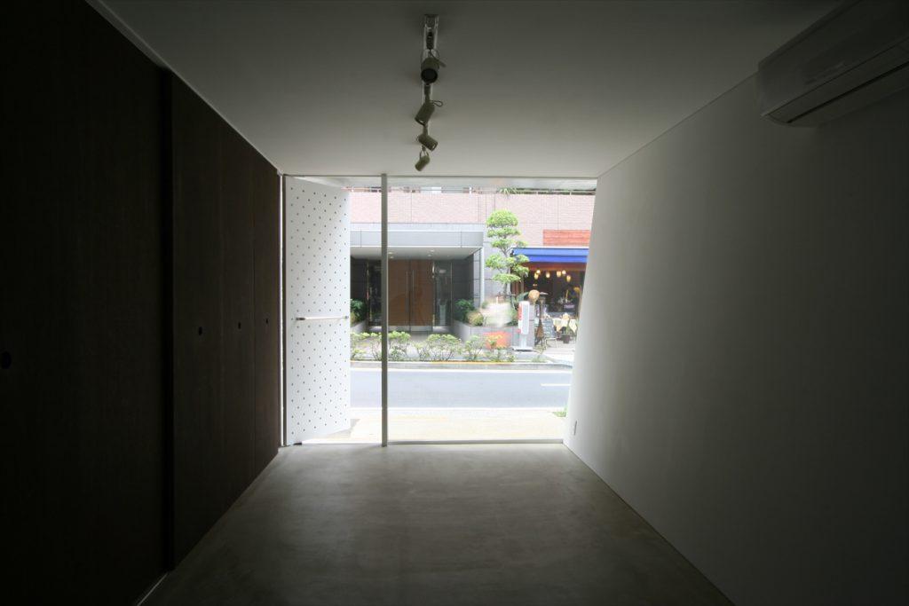 1階から道路の眺め