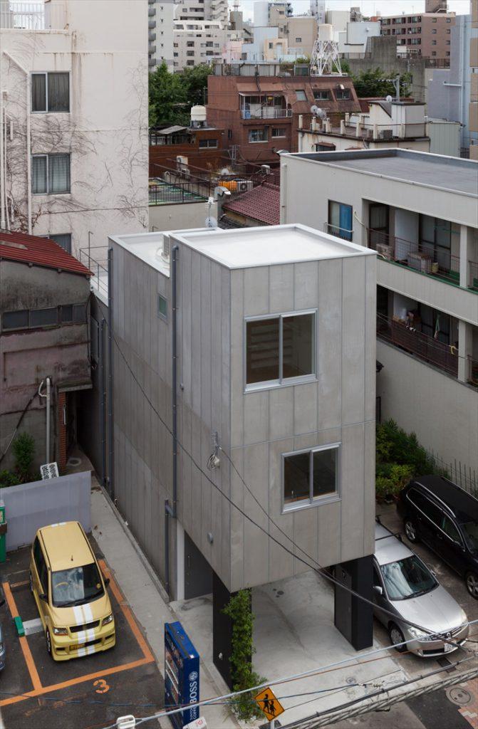 敷地の両側に将来的に建物が建つことを想定