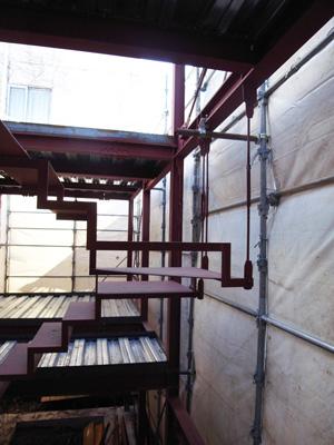 階段の吊り材
