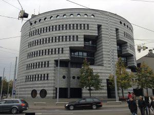Verwaltungsgebäude der BIZ1