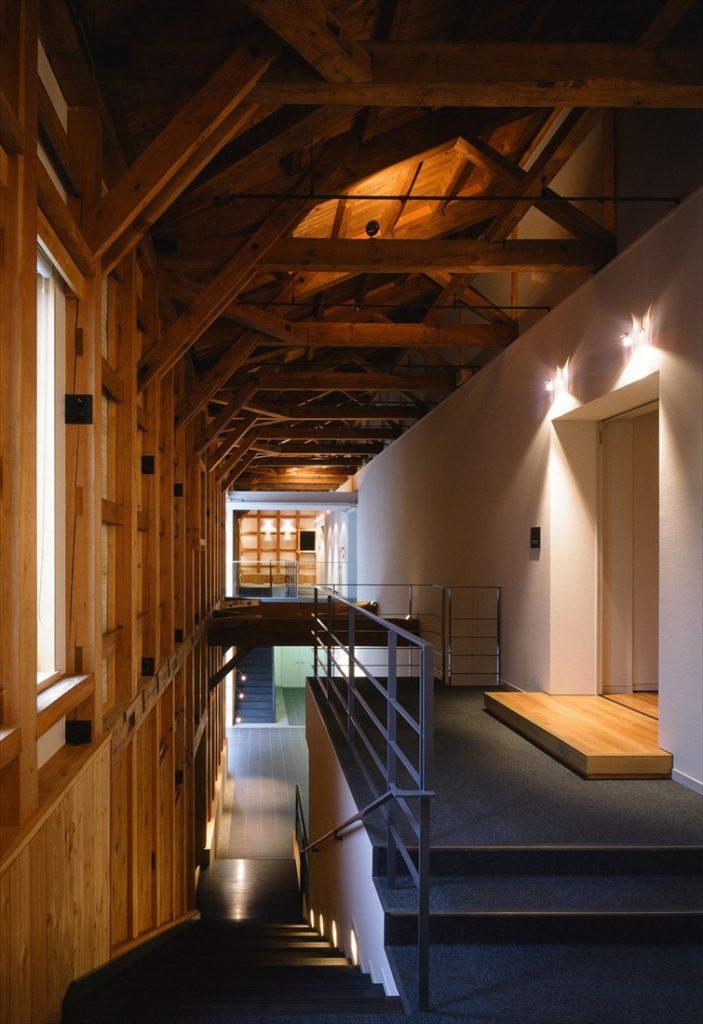 2階建ての美術館