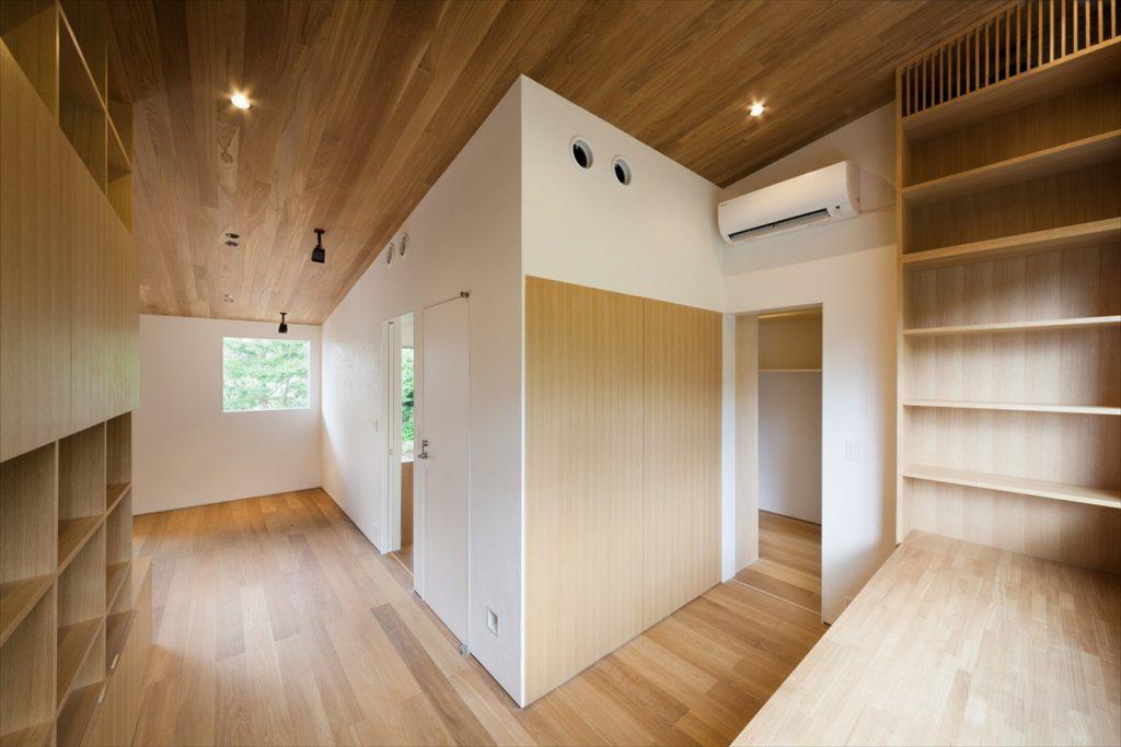 木造の雰囲気が優しい空間