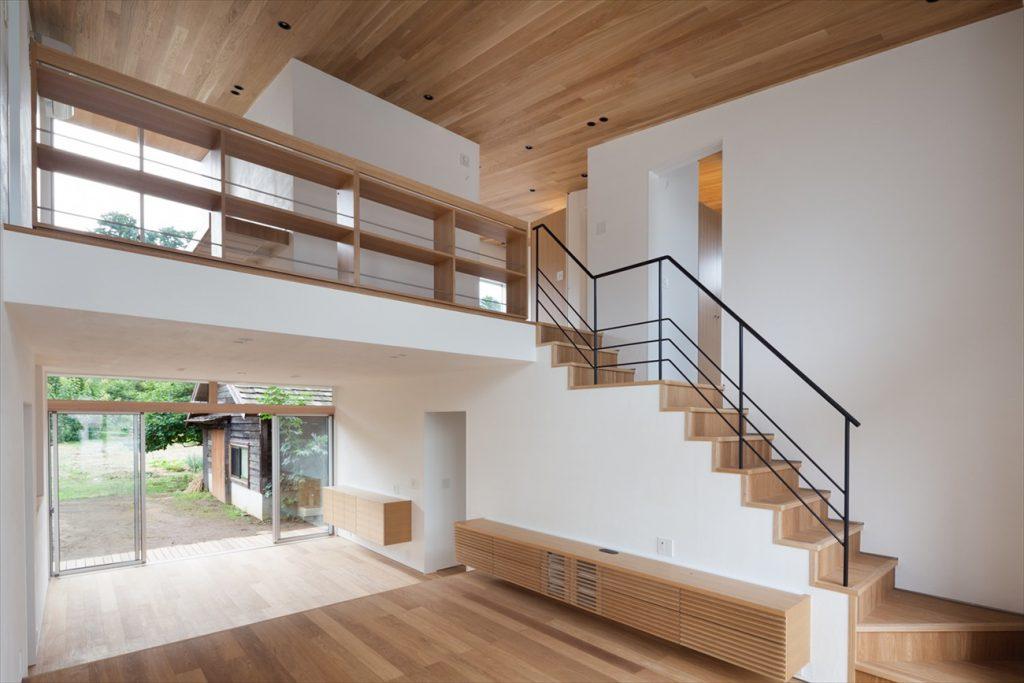 構造を生かした階段