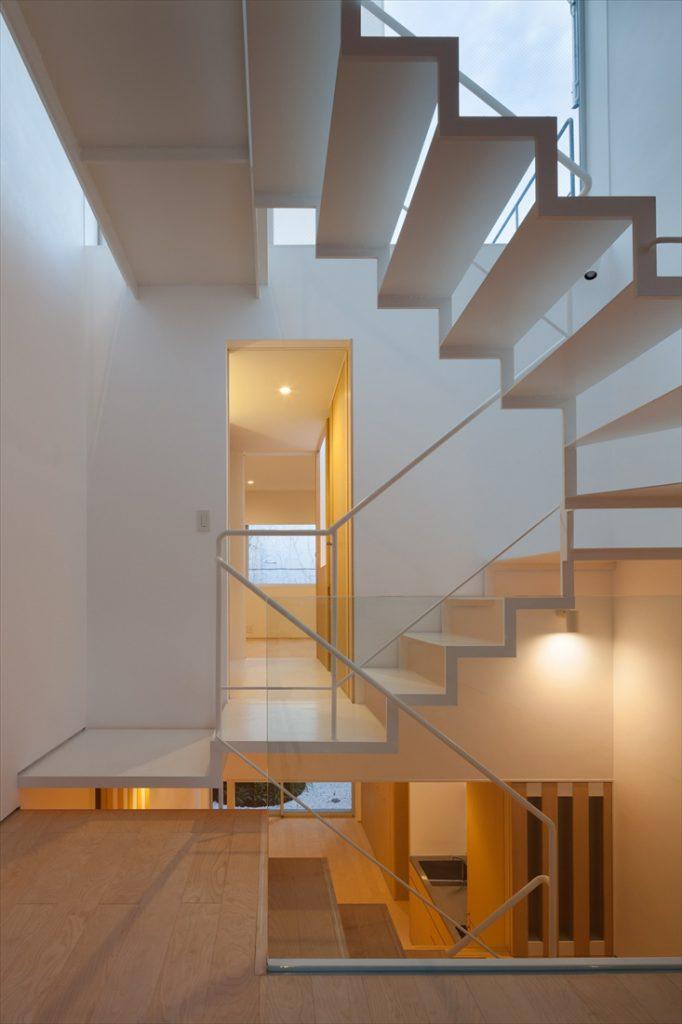 スケルトン階段で空間の工夫を