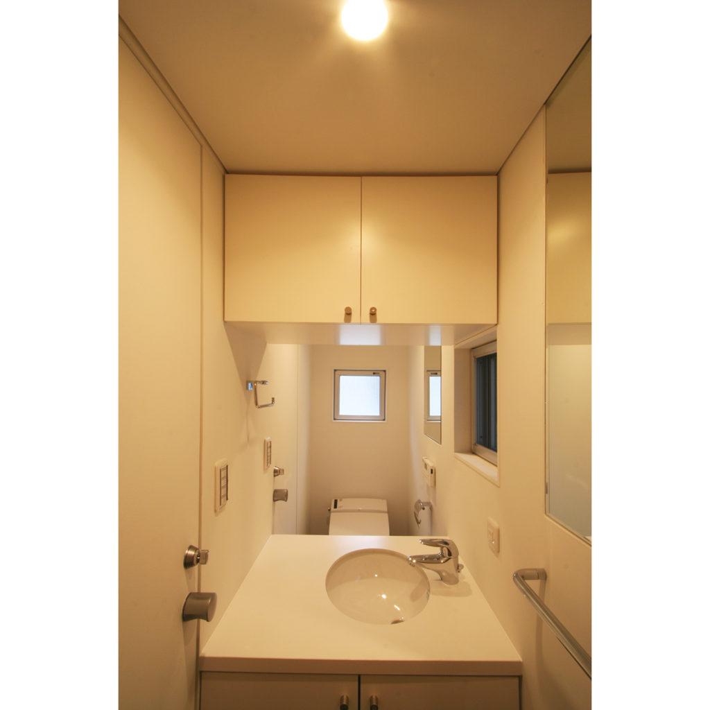 トイレと一体の洗面室
