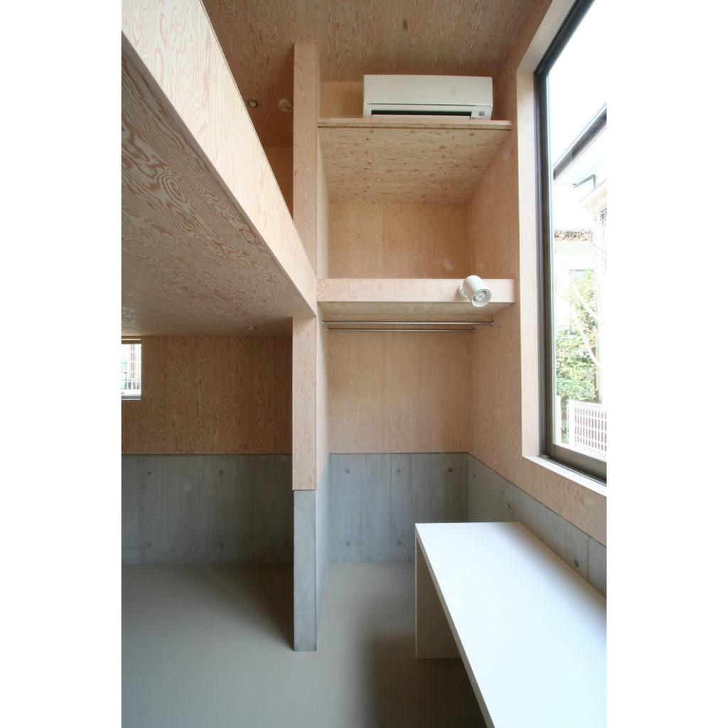 向ヶ丘の家 川崎市高津区 箱をずらした形状の木造ローコスト住宅
