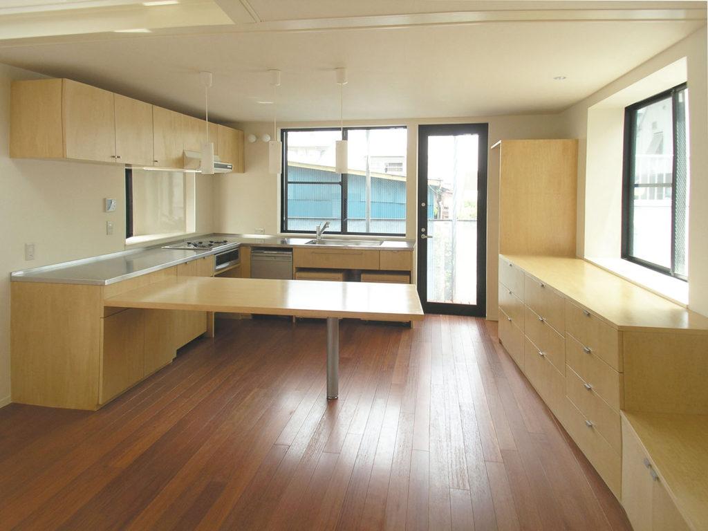 家具として一体で造られたキッチン