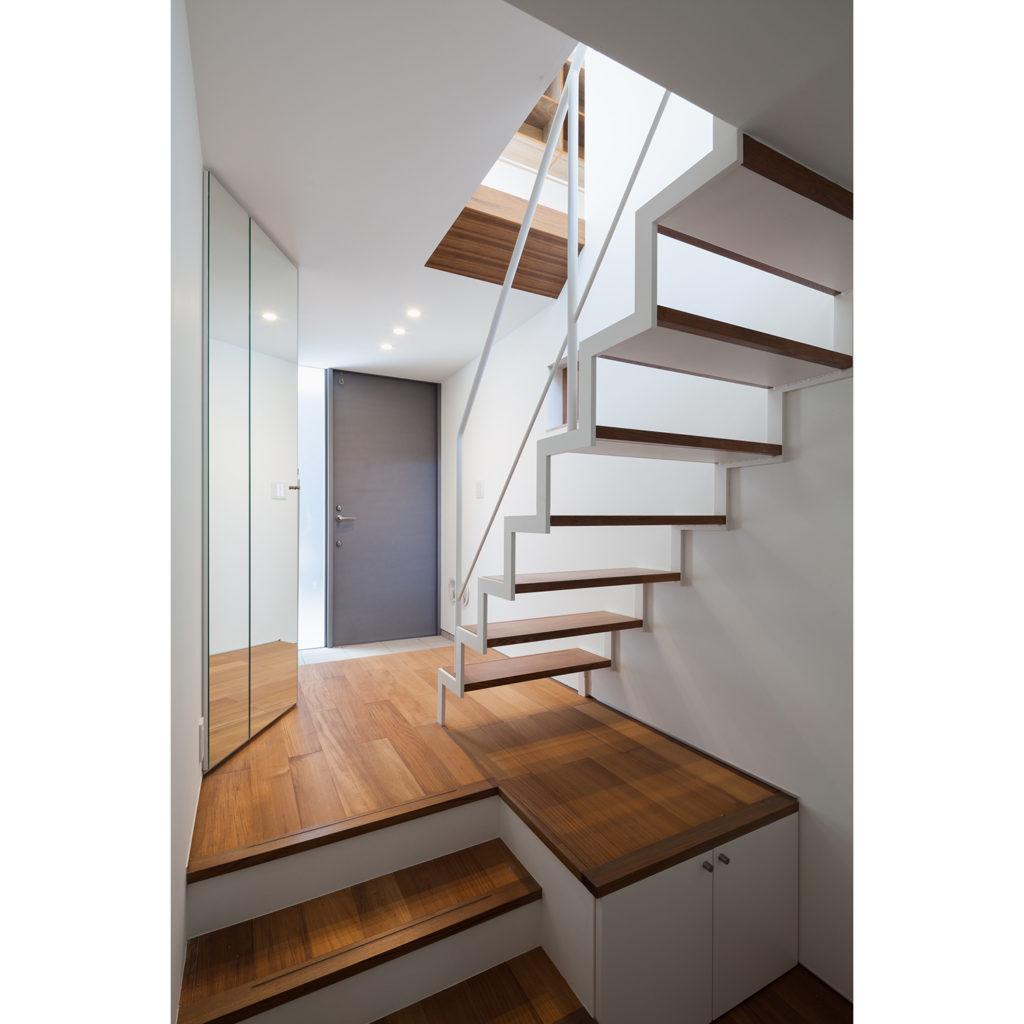 スケルトン階段で足元すっきり