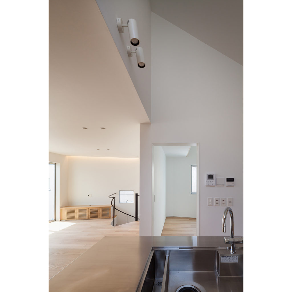 天井が高いキッチン