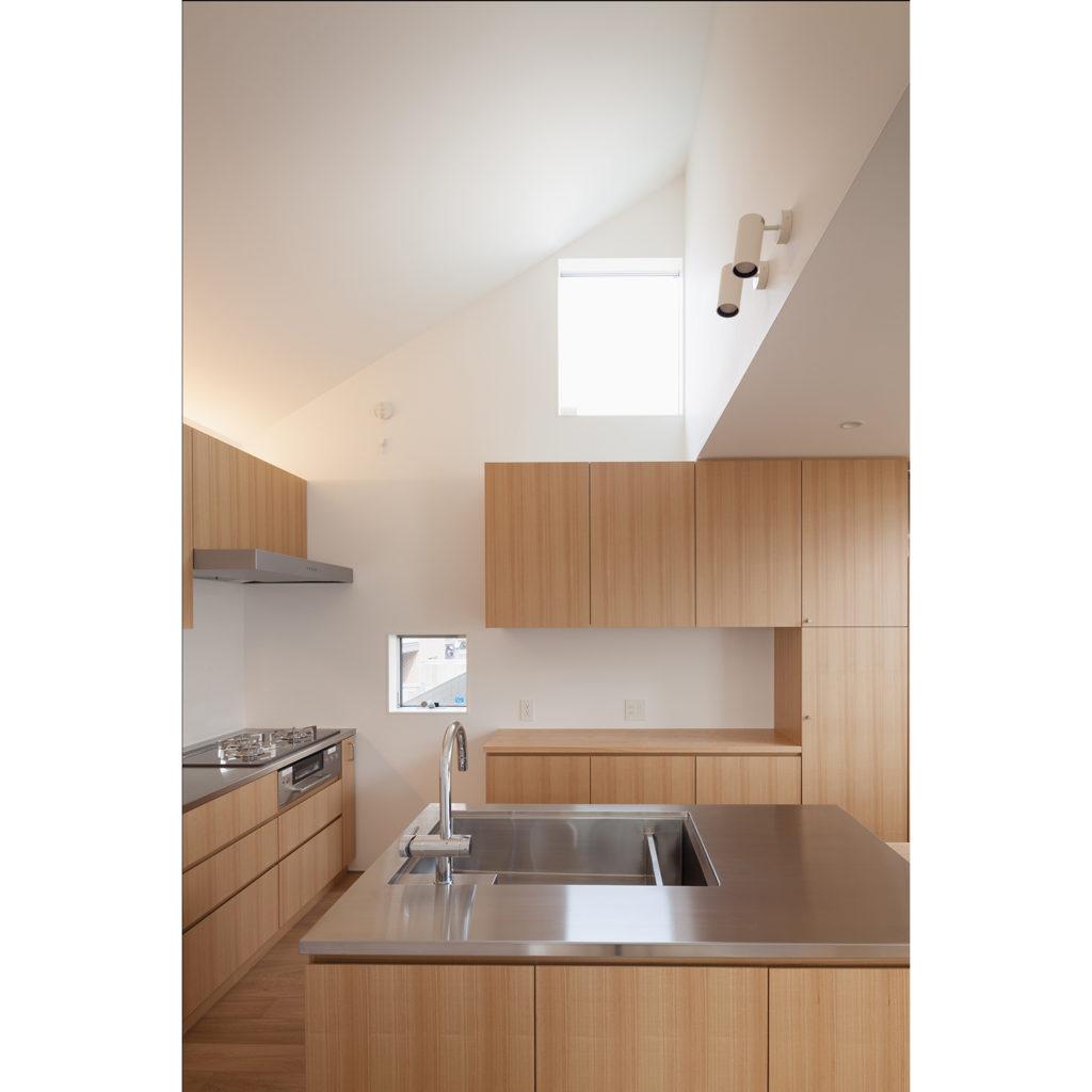 T字型のオープンキッチン