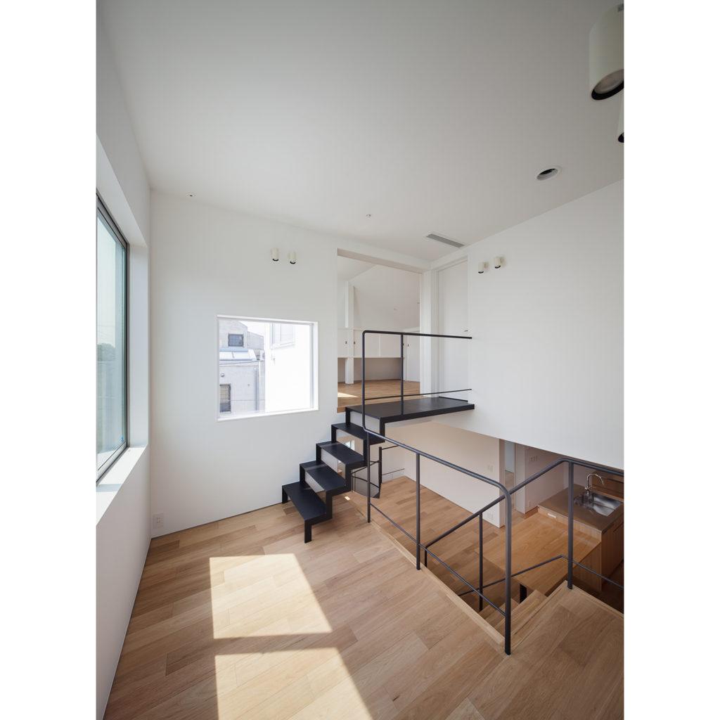 階段で繋がるスキップフロアー