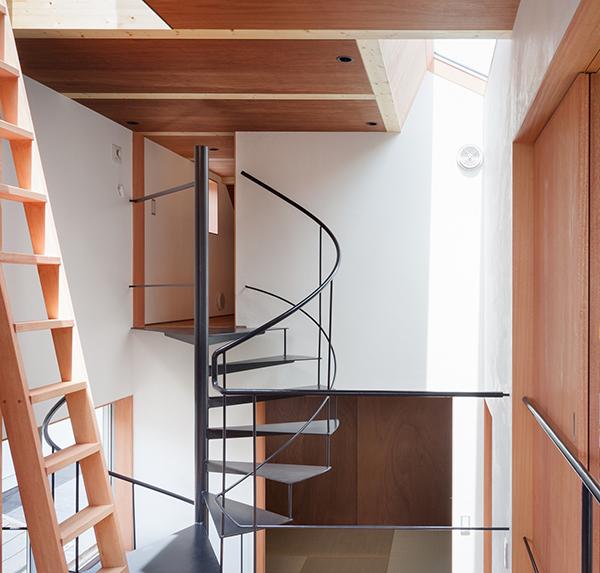 ロフトの固定階段