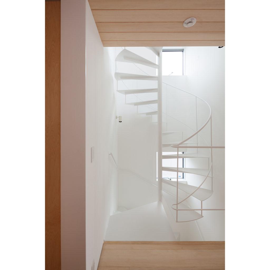 スケルトン階段でスペース節約