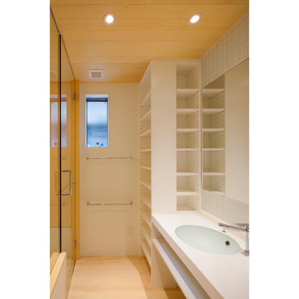 代々木の家 東京都渋谷区 吹き抜けと小さな空間が繋がる木造3階建て住宅